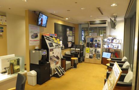 1F トヨタサービスフロント待合室